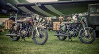 Royal-Enfield-Classic-500-Action-128100.jpg