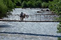 Ride_BridgeWheelieColour_1800.jpg