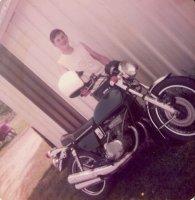 Jason 1983 -With a Suzuki GT550.jpg