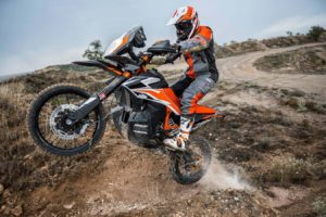 KTM And Yamaha Battle For Middleweight ADV Supremacy