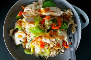 Food / Ginger Chicken Noodles