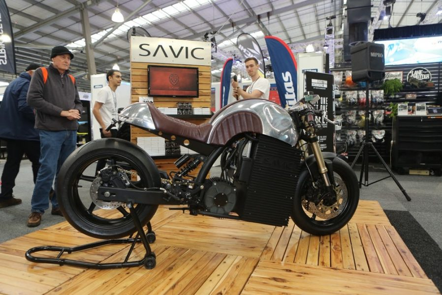 Australian moto manufacturer Savic Motorcycles showed off its new electric cafe racer at the Melbourne […]