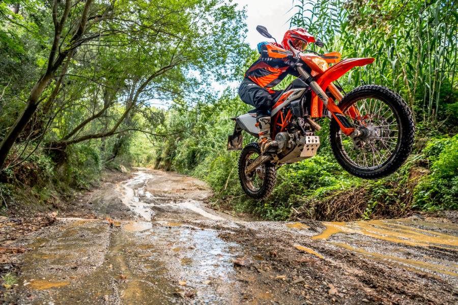 5 Reasons Why I Want to Rip on the 2019 KTM 690 Enduro R