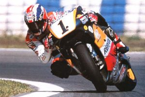 http://blog.crazymoto.net/wp-content/uploads/2008/10/doohan-slide.jpg