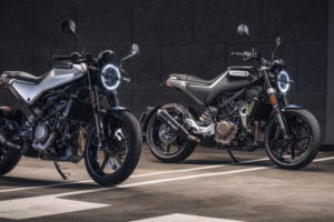 The Vitpilen 250 (left) and Svartpilen 250 (right). Photo: Husqvarna