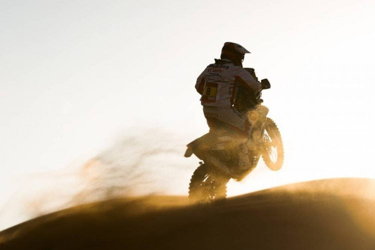 Dakar 2020 Stage 7 Ends in Tragedy, Stage 8 Cancelled for Bikes and Quads