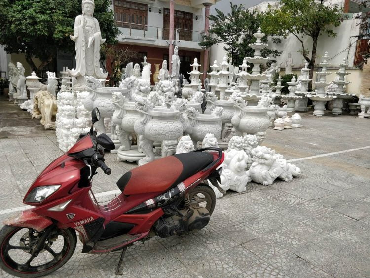 I refrained from strapping a marble statue to the seat of my $6/day Yamaha Nuevo (Source: Lost Cartographer)