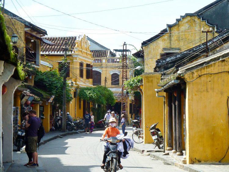 The shophouse lined streets of Hoi An (Source: 48houradventure.com)