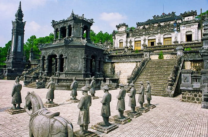 There are 7 royal tombs in Hue, this one is Khai Dinh Tomb. (Source: vietnam-evisa.com)