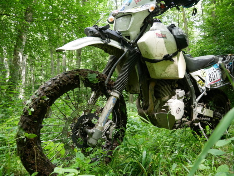 Transforming a Suzuki DR650 into a Rally Bike