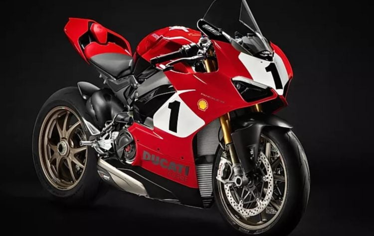 The other half of Ducati's two-pronged approach to circa-2020 nostalgia is the Panigale V4 25th anniversary 916. If its name sounds odd, trust your instincts. The 916 was a V-twin, not a V4, and the Panigale is a different motorcycle. While we patiently await the Chevrolet Corvette El Camino Pegasus edition (half car, half truck) Ducati, shrewdly, marches on selling range-topping limited-edition superbikes at a healthy return.